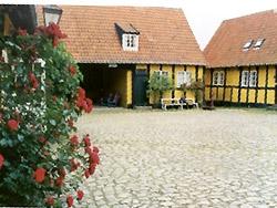 Bornholm: Folkemøde overnatning Sommerhus, Feriehus, Hotel, Pension  -  Søllingsgaard
